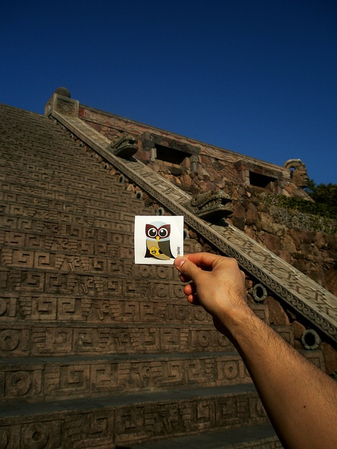 El Hootador and Aztec temple