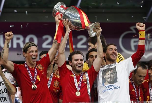 Juan Mata en Euro 2012 - Un artículo del periódico británico 'Premium Times'