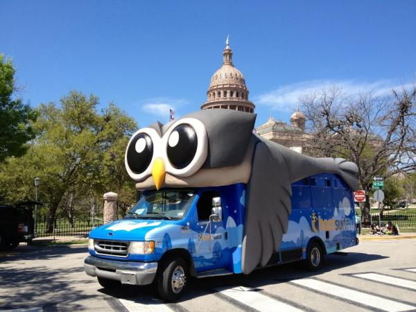 HootBus and the Capitol Building