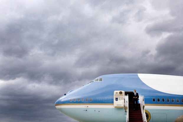 President Barack Obama and Air Force One. Image from Wiki Commons
