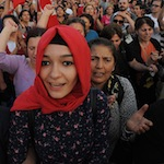800px-Taksim_square_peaceful_protests._Events_of_June_16,_2013-2 (1)