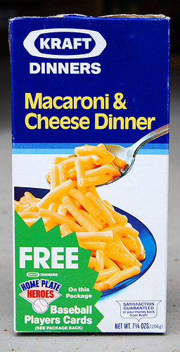 Kraft Dinner macaroni & cheese packaging from 1986. Image via Roadsidepictures via Flickr CC BY-NC-ND 2.0