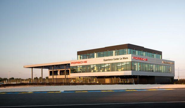 Porsche Experience Center du Mans Hootsuite