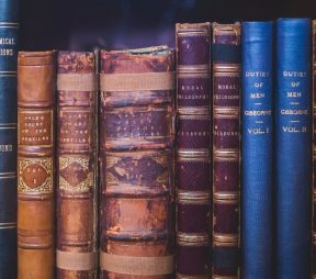 10 Unexpected Books to Inspire Your Career | Hootsuite Blog