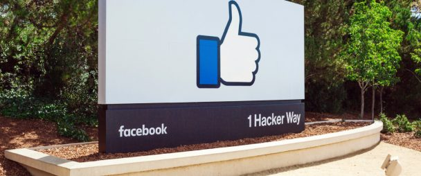 Why Facebook is the Professional Network of Choice for These 4 CEOs | Hootsuite Blog