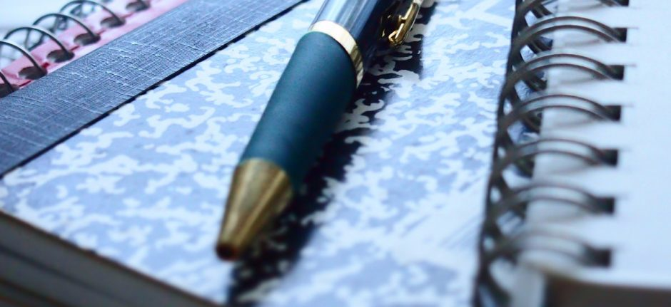 How to Pitch and Write a Hootsuite Blog Post