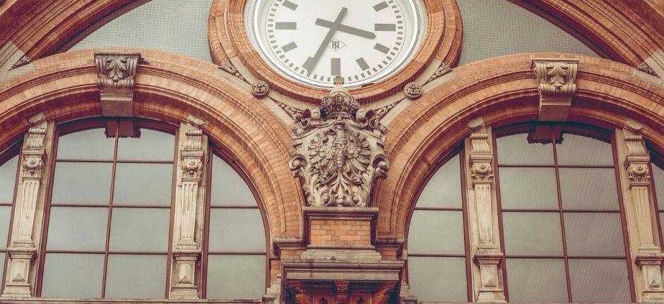 How to Manage Social Media for Business in Only 18 Minutes a Day | Hootsuite Blog | Construye tu estrategia de redes sociales en 18 minutos al día