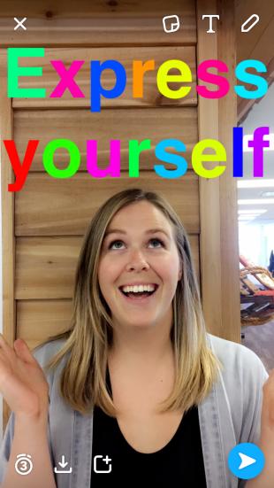 uno de los hacks de snapchat para community managers es utilizar los textos con colores. Este y otros trucos de Snapchat en nuestro blog