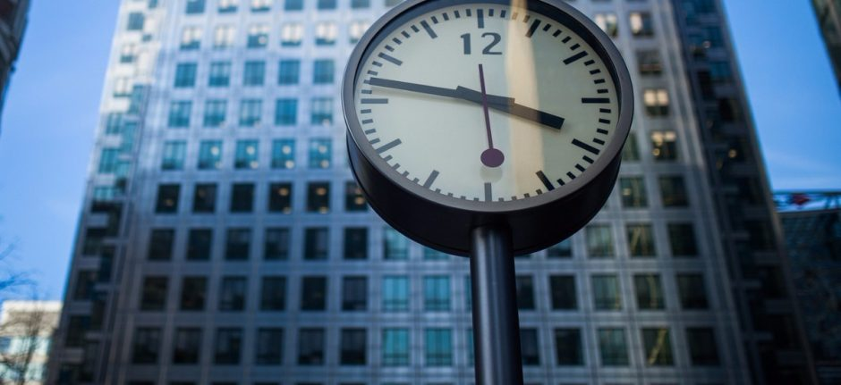 Why 'Real-Time' Isn't Always the Right Time in Social Media Marketing   Hootsuite Blog