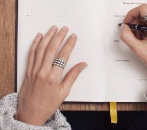10 Quick Social Media Ad Writing Tips From an Expert | Hootsuite Blog