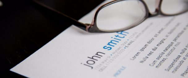 How to Get a Job in Social Media: Resume Template, Tips, and Resources | Hootsuite Blog