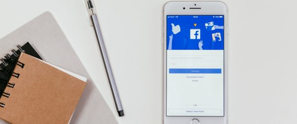 Facebook app and notepad