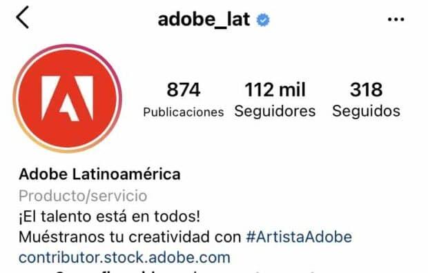 Biografía del perfil de Adobe Latinoamérica donde le piden a sus seguidores etiquetar la cuenta.